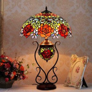 Đèn bàn hoa hồng Tiffany